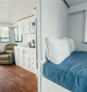 beds in houseboat